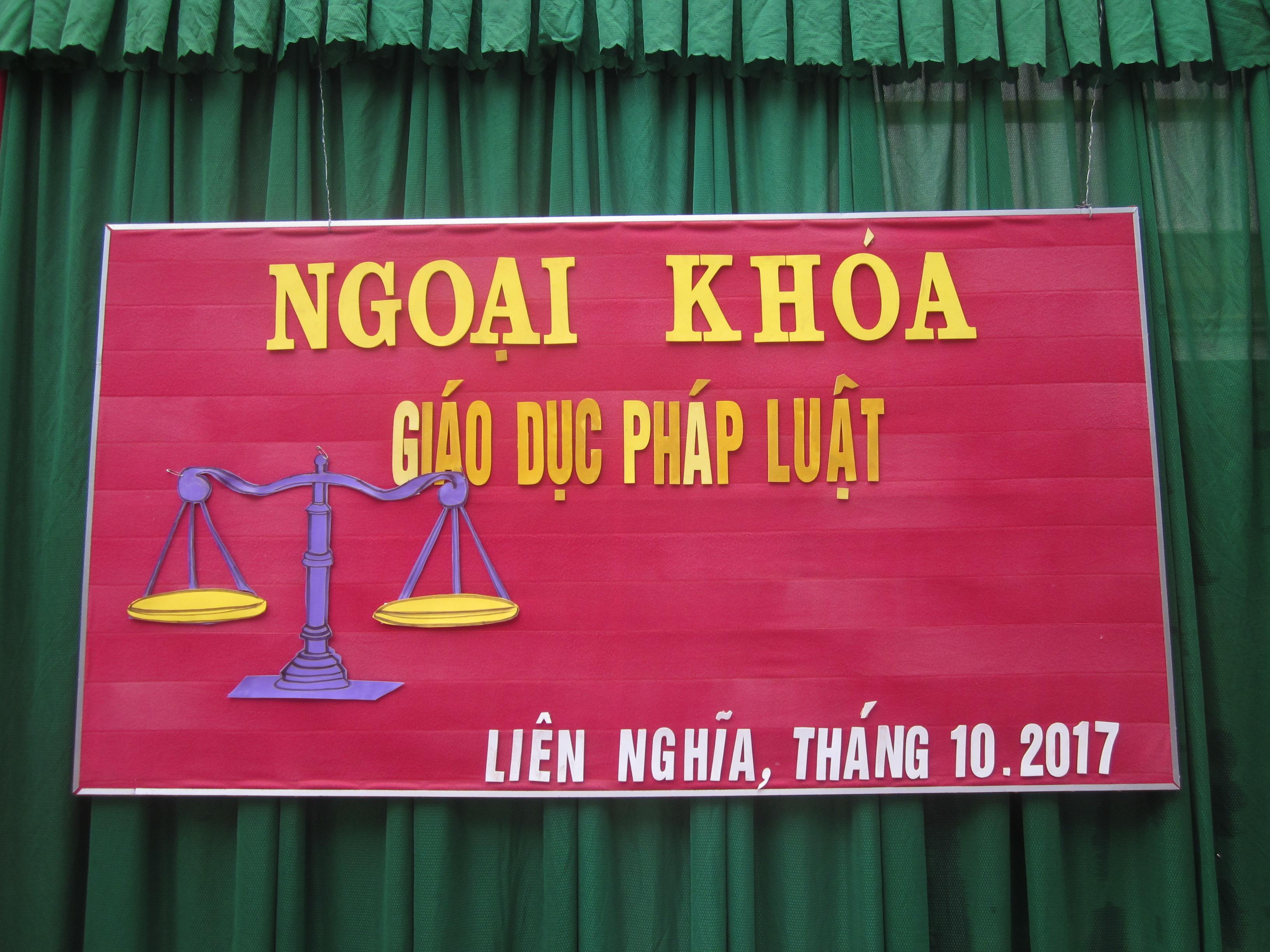 Ngoại khóa pháp luật năm học 2017 – 2018