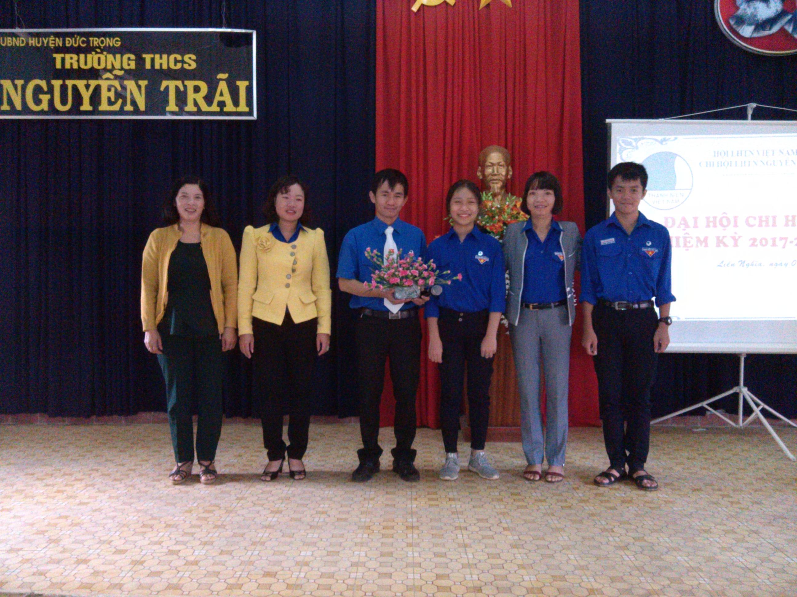 Một số hình ảnh đại hội Hội Liên Hiệp Thanh Niên Trường THCS Nguyễn Trãi năm học 2017-2018